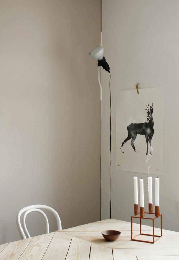 Black & white deer wall decor