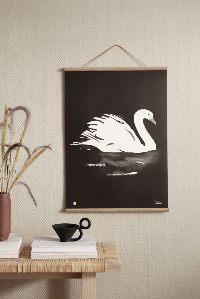 he elegant Swan art poster is a guaranteed eye-catcher.